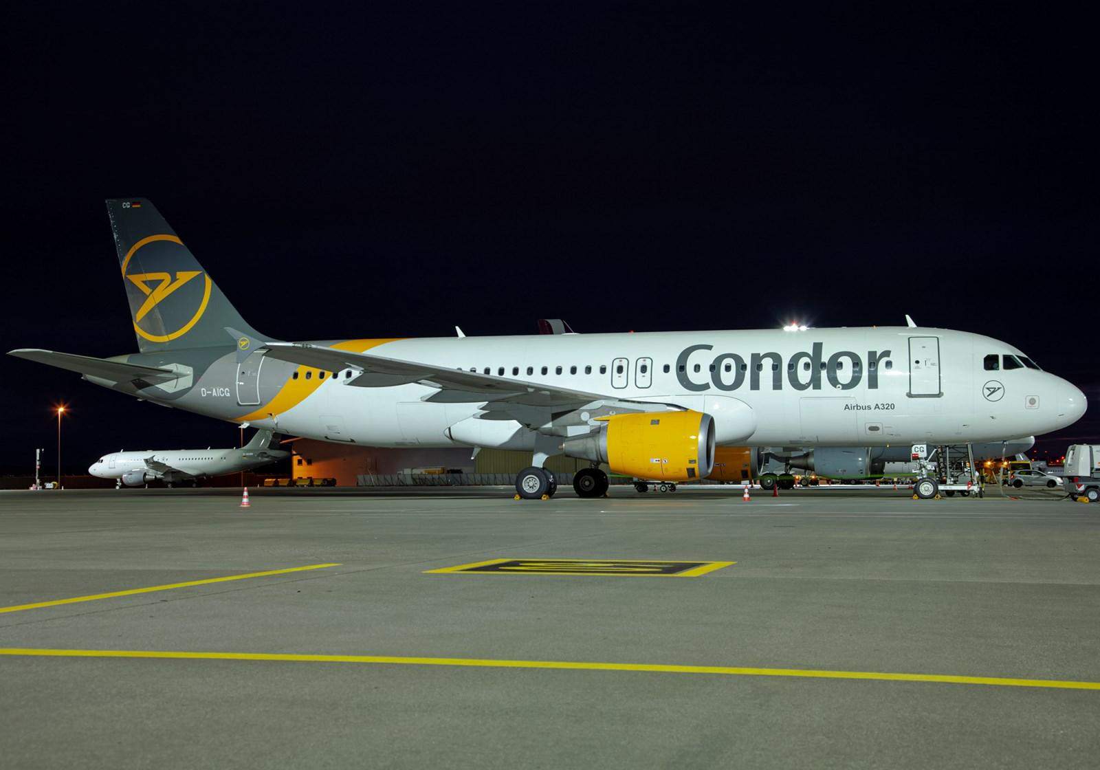 Condor Ankunft Abflug